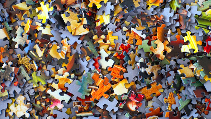 jigsaw puzzle pieces loose