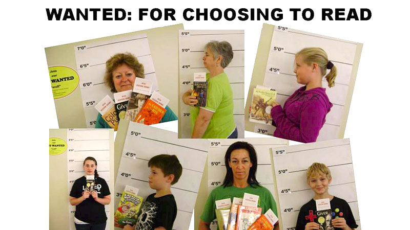 """Seven readers in """"booking"""" photos for reading banned books"""