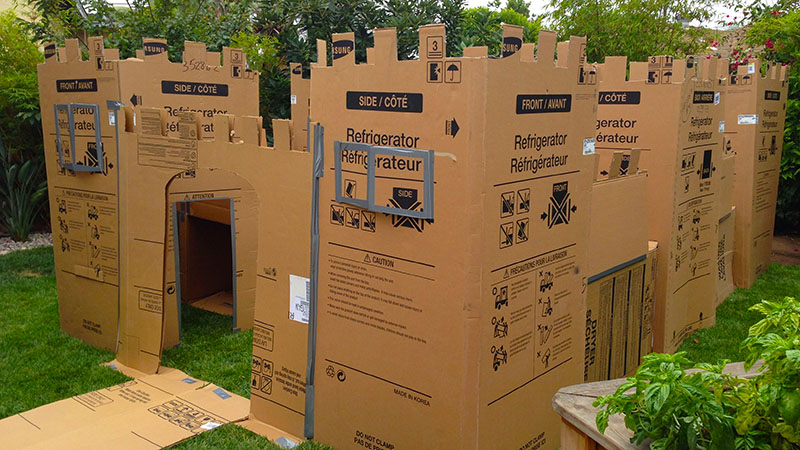 Box Fort Wars